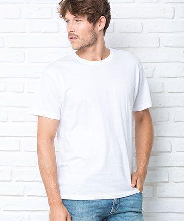 Camiseta 100% algodón de manga corta.